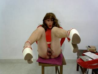 iam a hot tranny , with not limits in sex, my ass have no limits,if u want it i feed u or u feed me..